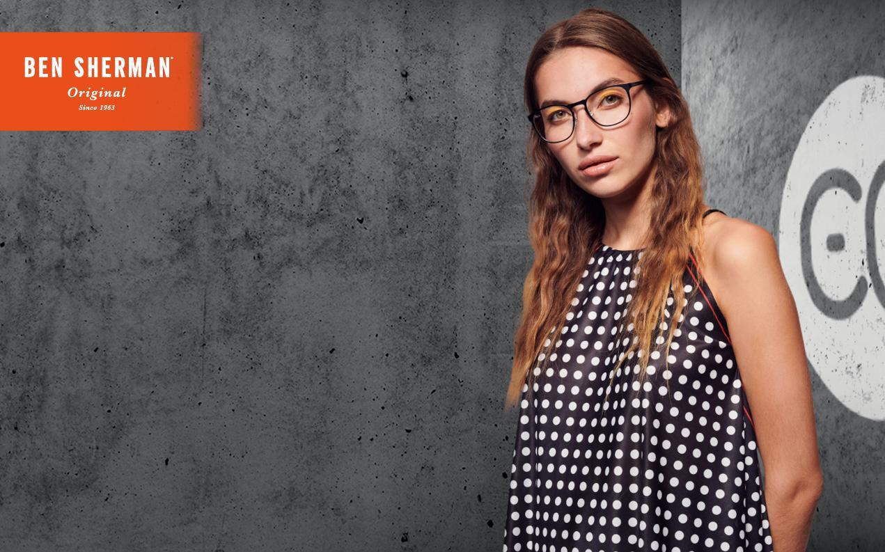 Women's oval glasses